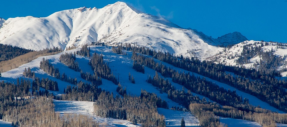 aspen-ski-resort-colorado-usa-ski-holidays