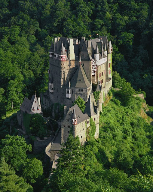 Burg-Eltz-near-the-Mosel