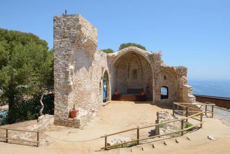 biserica-veche-Tossa-de-Mar